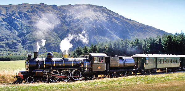 The Kingston Flyer train, South Island, New Zealand photo tour image